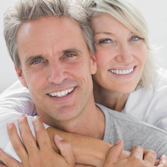 Implantologie & Zahnimplantate - Zahnarzt - CMK Zahnarztpraxis Berlin-Mitte